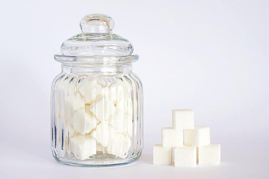 Auf zu viel Zucker sollte man während und vor der Saftkur verzichten
