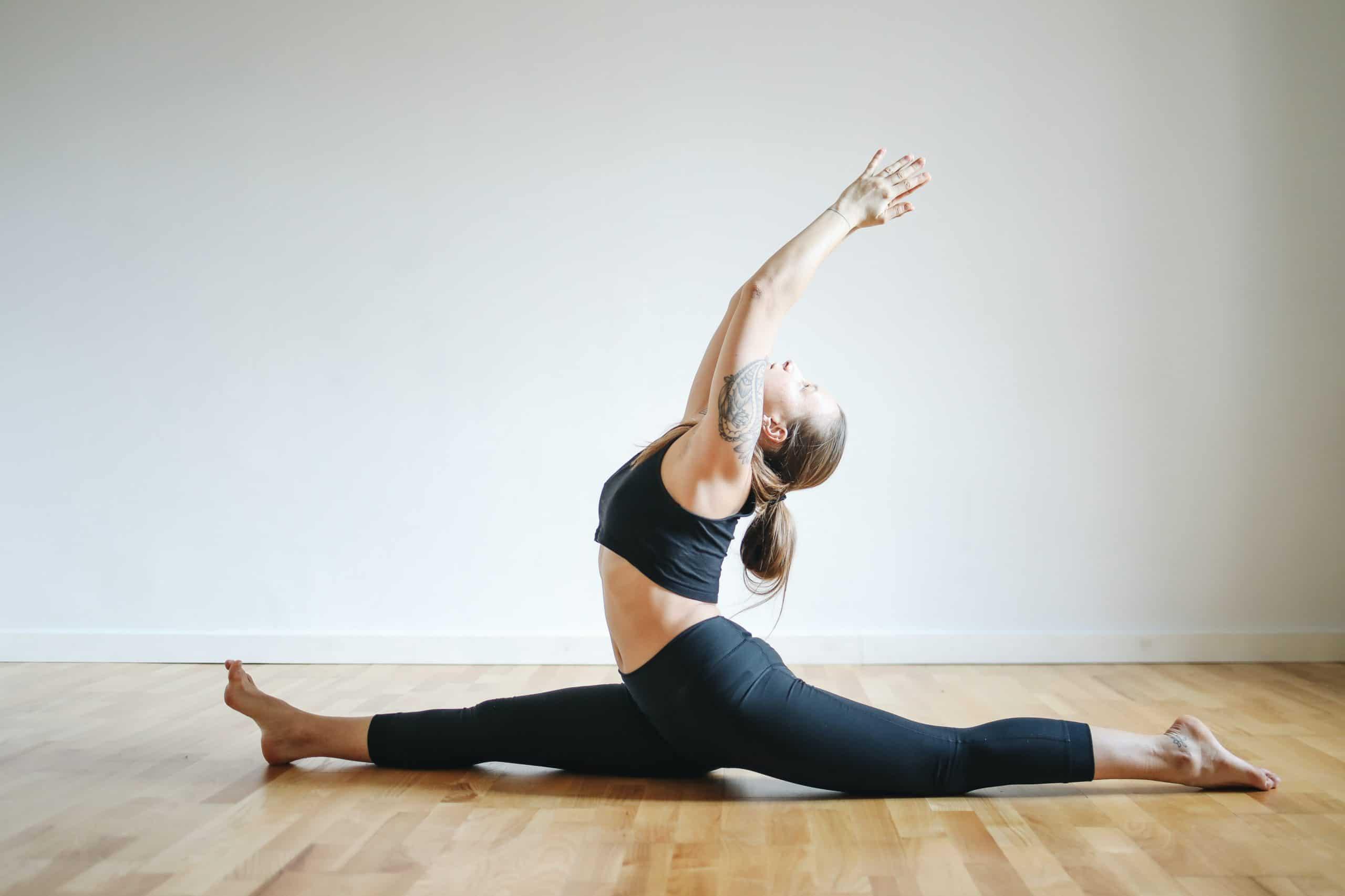 Yoga funktioniert super in den eigenen vier Wänden